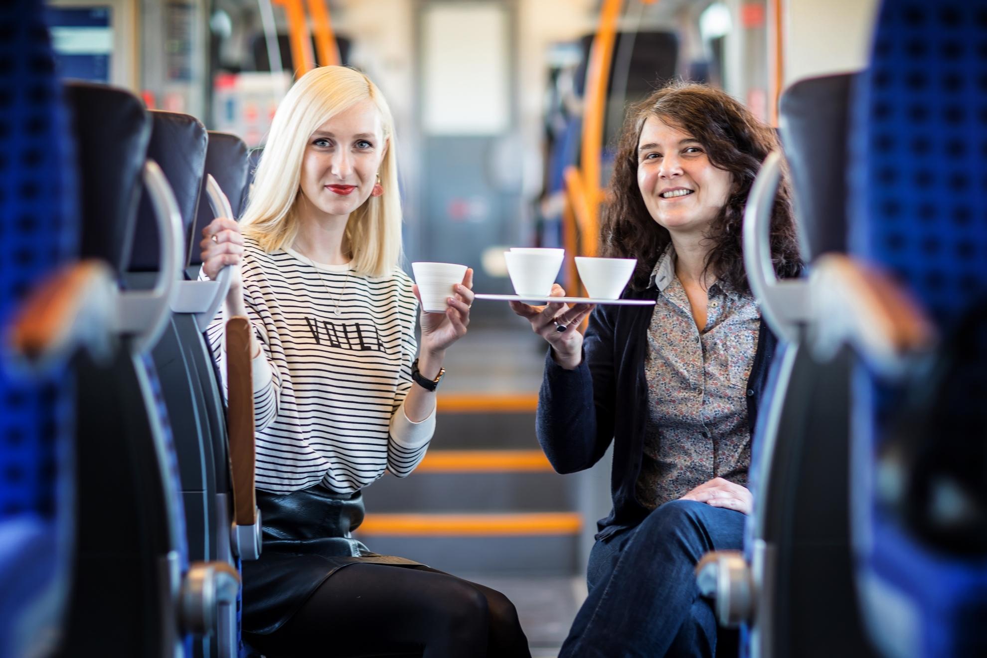 Eine Zugfahrt mit Susan Heise, Prozellankünstlerin aus Leipzig
